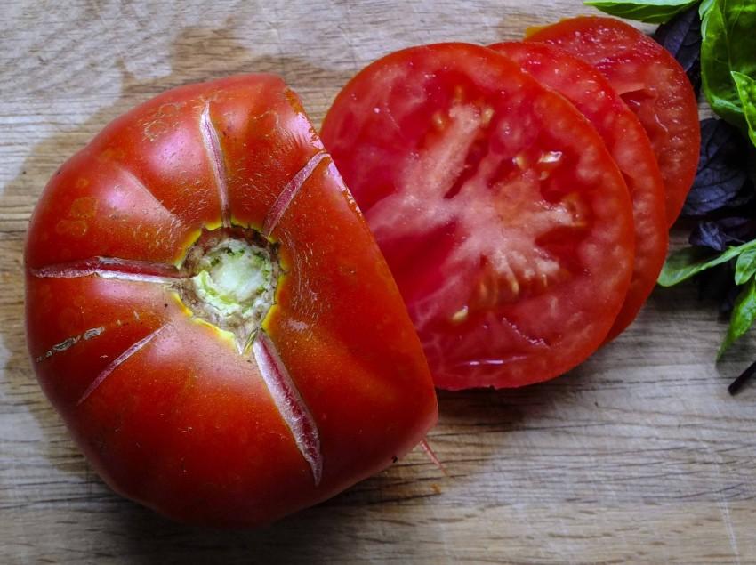 Tomat Super Marmande. En hardfør og kjempegod bifftomat jeg alltid sår.
